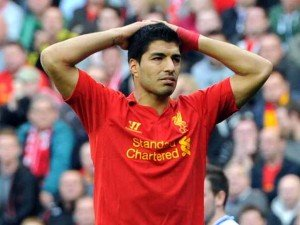Suarez misses 300x225 Just How Bad Are Liverpool At Scoring Goals? Stats Compared to Rivals