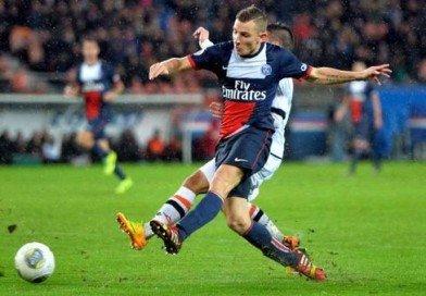 Lucas Digne's Agent Denies Liverpool Talks Are Underway