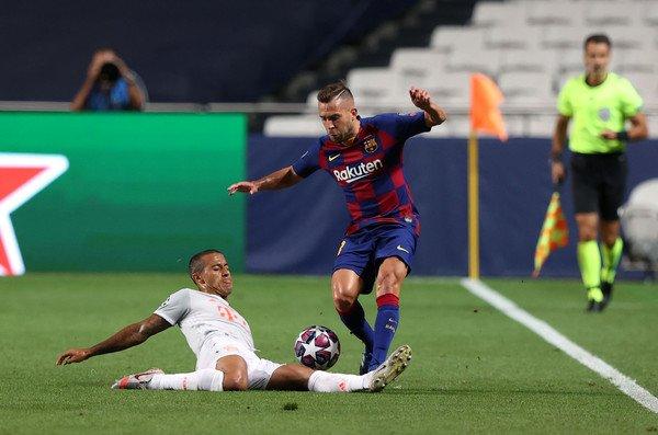 Thiago Tackle for Bayern vs Barcelona